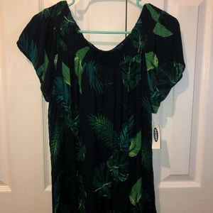 Women's Large Off Shoulder Top - NWT